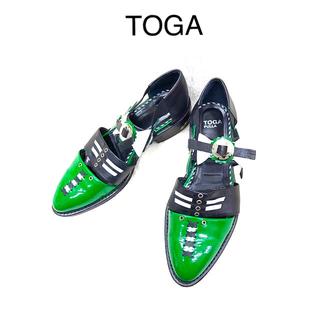 トーガ(TOGA)のTOGA ストラップシューズ グリーン(ローファー/革靴)
