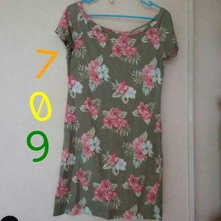 ジーユー(GU)の709カーキ地花柄ワンピg.u.(o゜▽゜)♪o(ミニワンピース)