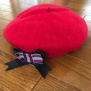 アースミュージックアンドエコロジー(earth music & ecology)のリボンブローチ付きベレー帽 赤 earth music&ecology(ハンチング/ベレー帽)