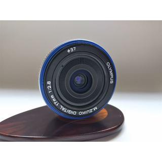 オリンパス(OLYMPUS)のオリンパス M.ZUIKO DIGITAL 17mm F2.8 単焦点 シルバー(レンズ(単焦点))