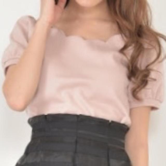 titty&co(ティティアンドコー)のティティアンドコー スカラップネックトップス 新品 レディースのトップス(シャツ/ブラウス(半袖/袖なし))の商品写真
