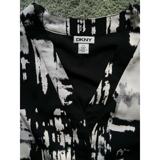 DKNY WOMEN(ダナキャランニューヨークウィメン)のDKNY バックスリット入シャツ レディースのトップス(シャツ/ブラウス(長袖/七分))の商品写真