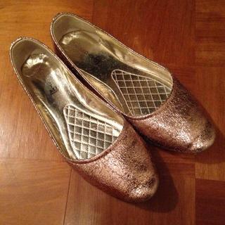 ディーホリック(dholic)のピンクゴールド ペタンコ靴(ハイヒール/パンプス)