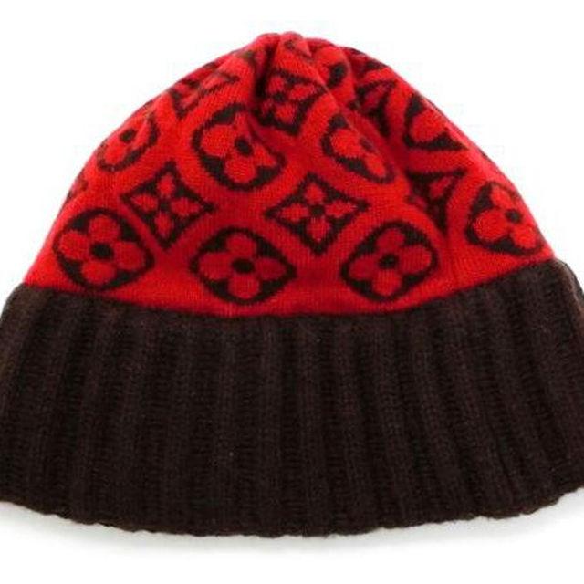 LOUIS VUITTON(ルイヴィトン)の年末特価  数回着用程度の美品  ルイヴィトン  モノグラム柄  赤 カシミヤ レディースの帽子(その他)の商品写真