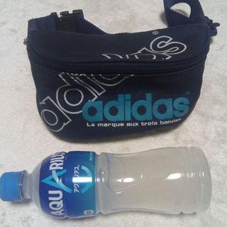 アディダス(adidas)のadidasウエストポーチ(ボストンバッグ)