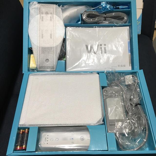 新品 wii リモコンプラス 2台 エンタメ/ホビーのテレビゲーム(家庭用ゲーム本体)の商品写真