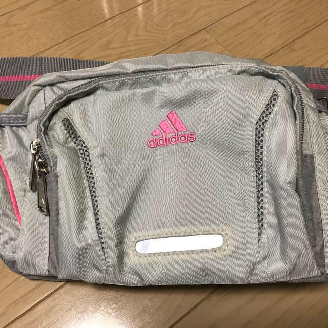 adidas(アディダス)のアディダス ウエストポーチ レディースのバッグ(ボディバッグ/ウエストポーチ)の商品写真