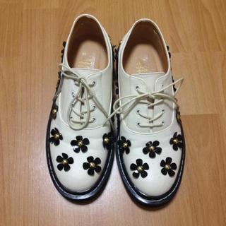 ジュエティ(jouetie)のjouetie 今期 フラワーシューズ(ローファー/革靴)