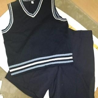 ユニクロ(UNIQLO)の140 150男児ベストハーフパンツセット 式典(ドレス/フォーマル)