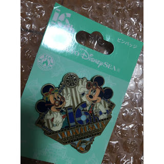 ディズニー(Disney)のピンバッジ(ブローチ/コサージュ)