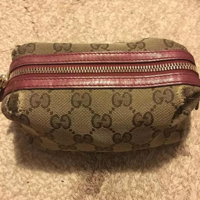 79d76eae97cc Gucci - 【訳あり】GUCCI ハートチャーム ポーチの通販 by 旅人's shop ...
