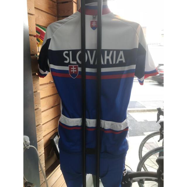 スロバキアナショナルチームジャージ 上下セット Lサイズ スポーツ/アウトドアの自転車(ウエア)の商品写真