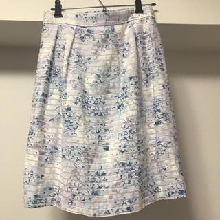 デビュードフィオレ(Debut de Fiore)のデビュー・ド・フィオレ フラワー柄スカート(ひざ丈スカート)