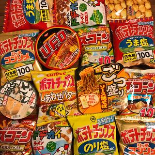 食品(お菓子スナックとカップ麺)詰め合わせ(インスタント食品)