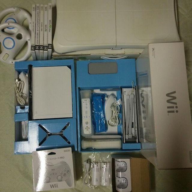 Wii(ウィー)の最終値下げ❗wii お買得セット【セット販売のみ】 エンタメ/ホビーのテレビゲーム(家庭用ゲーム本体)の商品写真