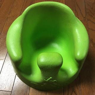 バンボ(Bumbo)のバンボ グリーン 未使用のベルト付き(その他)
