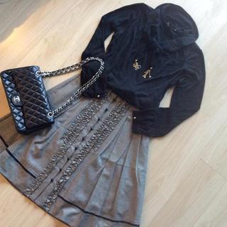 ルイヴィトン(LOUIS VUITTON)のヴィトン♡美品チャーム付きセーター(ニット/セーター)