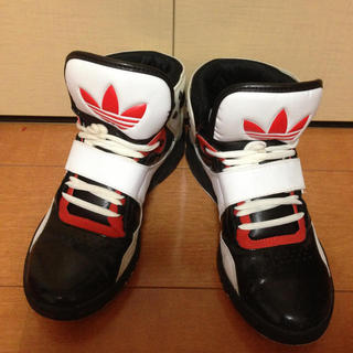 アディダス(adidas)のadidas  スニーカー🎀(スニーカー)