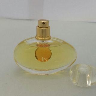 エスティローダー(Estee Lauder)のエスティローダー イントゥイション オードパルファム 50ml(香水(女性用))