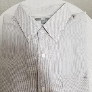 ユニクロ(UNIQLO)のユニクロmen'sグレーボーダーシャツ Lサイズ(シャツ)