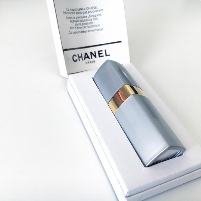 2d56fc669835 CHANEL - CHANEL N°19パルファム(ヴァポリザター)7.5ml 持ち運び香水の ...