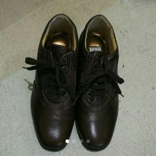 22cmEEEE革靴ダークブラウン(ローファー/革靴)