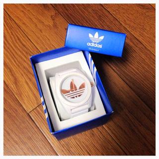 アディダス(adidas)のadidas ホワイト 時計(腕時計)
