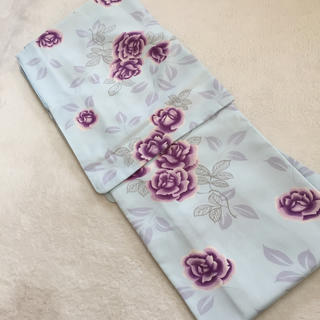 フリフ(ふりふ)のバラ柄洗える着物水色地Lサイズ身丈163裄67新品しつけ付き(着物)