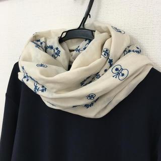 マーガレットハウエル(MARGARET HOWELL)の贅沢☆刺繍のスヌード☆北欧風(スヌード)