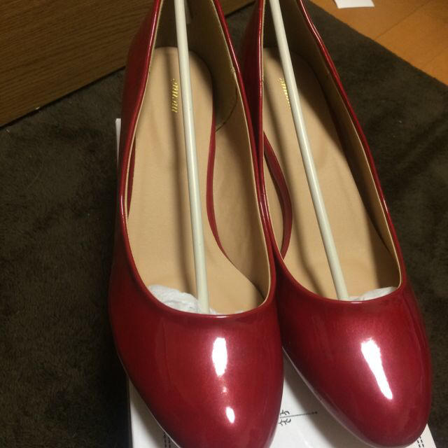 赤のパンプス レディースの靴/シューズ(ハイヒール/パンプス)の商品写真