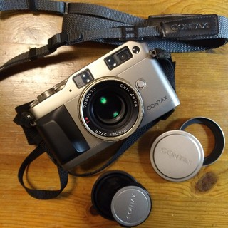 キョウセラ(京セラ)のContax G1 Carl Zeiss Planar 45mm F2 セット(フィルムカメラ)