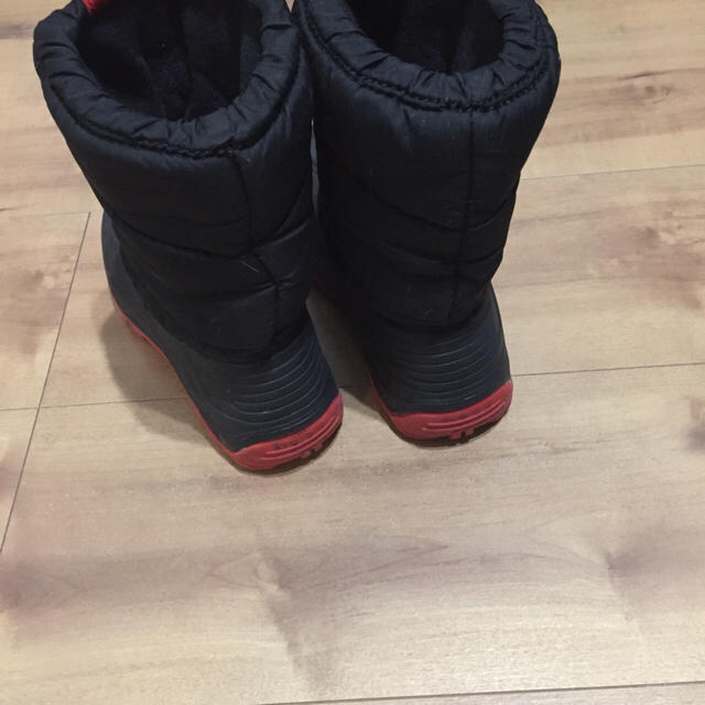 G.T. HAWKINS(ジーティーホーキンス)の⚠️りんごさん専用キッズ用GT.HAWKINSスノーブーツ キッズ/ベビー/マタニティのキッズ靴/シューズ (15cm~)(長靴/レインシューズ)の商品写真