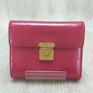 ルイヴィトン(LOUIS VUITTON)のルイヴィトン3つ折り財布パスケース付ヴェルニ コアラ エナメル ピンク別タイプも(財布)