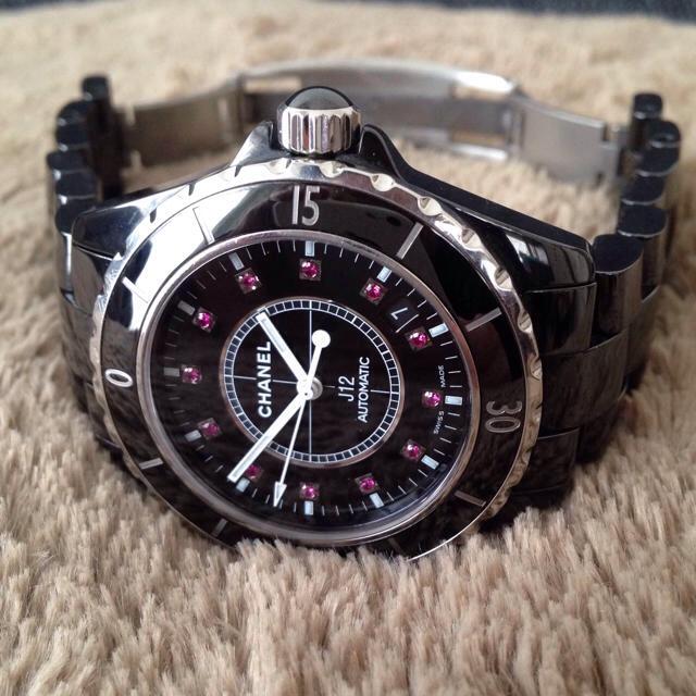 huge selection of a4b86 d7223 CHANEL シャネル J12 オートマチック ルビー 腕時計 自動巻 黒 | フリマアプリ ラクマ