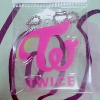 ウェストトゥワイス(Waste(twice))のTWICE★キーホルダー ロゴ ピンク(K-POP/アジア)