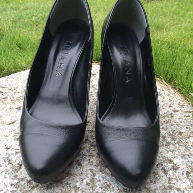 DIANA(ダイアナ)の送料込★ダイアナのパンプス ブラック レディースの靴/シューズ(ハイヒール/パンプス)の商品写真