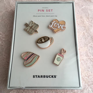 スターバックスコーヒー(Starbucks Coffee)のSTARBUCKS♡韓国スタバ 2018バレンタイン ピンバッジセット♡(バッジ/ピンバッジ)