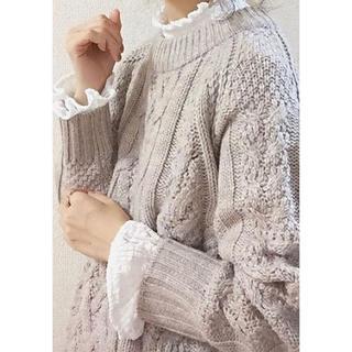 ジーユー(GU)の完売品。GUレースフリルネック♡(Tシャツ(長袖/七分))
