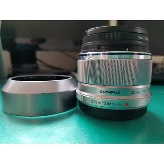 オリンパス(OLYMPUS)のM.ZUIKO DEGITAL 25mm F1.8 交換レンズ&フード&フィルタ(レンズ(単焦点))