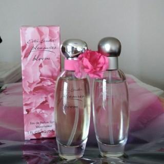 エスティローダー(Estee Lauder)のプレジャーズ2点セット エスティーローダーpleasures, bloom(香水(女性用))