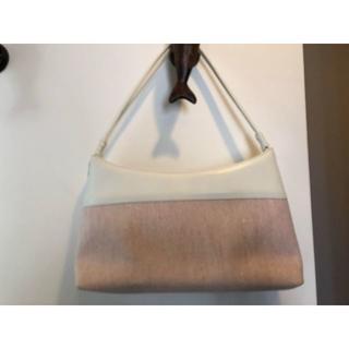 ヨンドシー(4℃)の【4℃】白とピンクのハンドバック(ハンドバッグ)