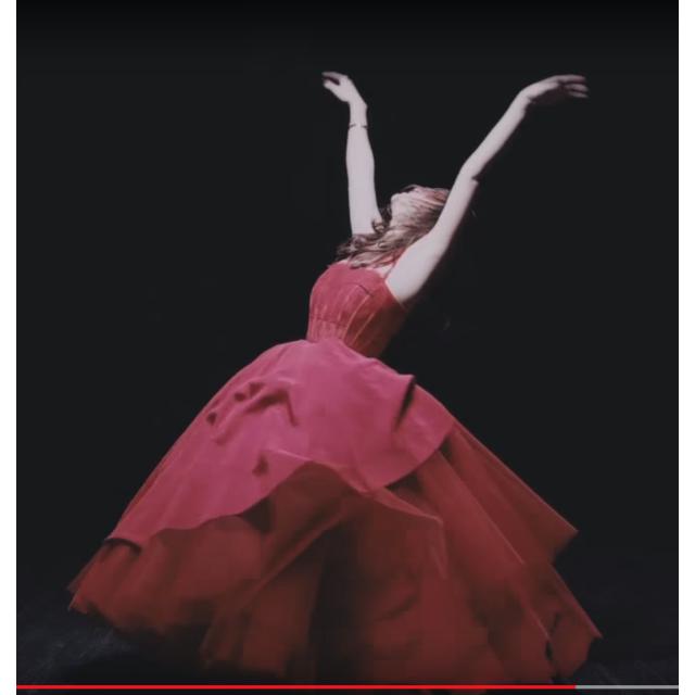 M様専用オーダードレス制作 赤いドレス レディースのフォーマル/ドレス(ウェディングドレス)の商品写真