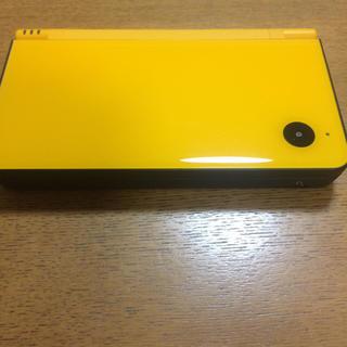 ニンテンドーDS(ニンテンドーDS)の任天堂DSiLL本体(美品)イエロー(携帯用ゲーム機本体)
