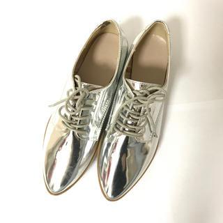 ジーユー(GU)のGU シルバー 革靴(ローファー/革靴)