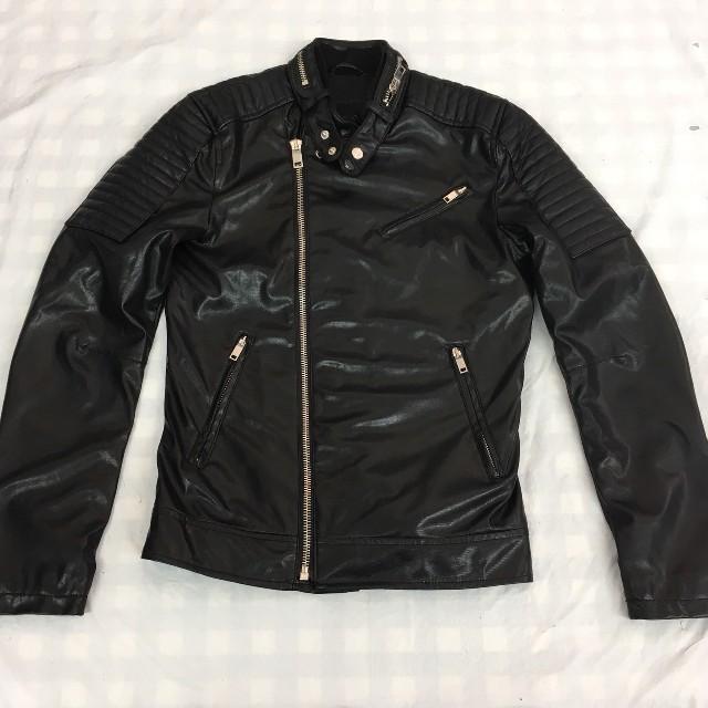 ZARA(ザラ)のザラ ZARA MAN ライダースジャケット フェイクレザー 黒 ブラック メンズのジャケット/アウター(ライダースジャケット)の商品写真