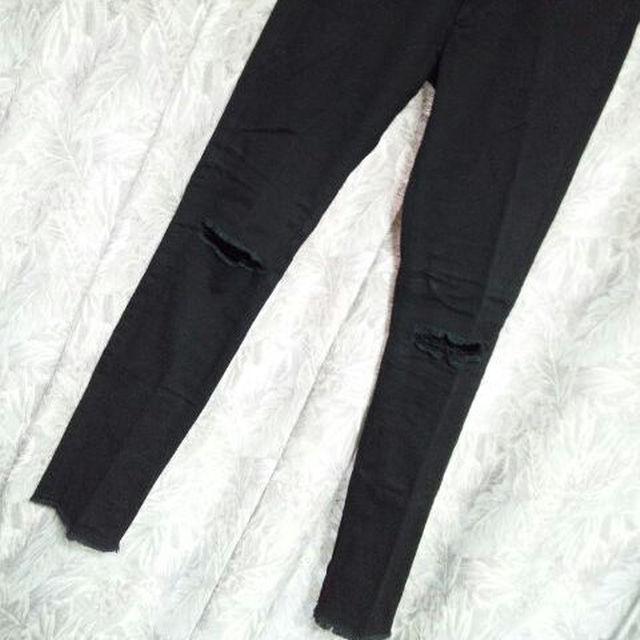 ZARA(ザラ)のZARA MAN膝ダメージ加工スキニーパンツ バルマン サンローラン メンズのパンツ(チノパン)の商品写真