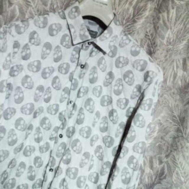 ZARA(ザラ)のZARA MANスカル総柄シャツ ポールスミスLHPユニフ3代目エルビラ メンズのトップス(シャツ)の商品写真