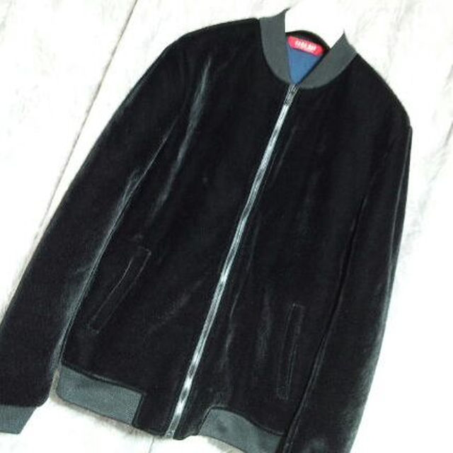ZARA(ザラ)のZARA MANベルベットMAー1ブルゾンジャケット HARE Y's メンズのジャケット/アウター(ブルゾン)の商品写真