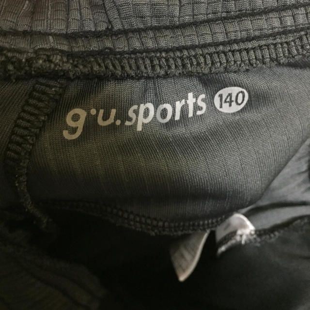 GU(ジーユー)のGU SPORTS ハーフパンツ 140サイズ キッズ/ベビー/マタニティのキッズ服 男の子用(90cm~)(パンツ/スパッツ)の商品写真