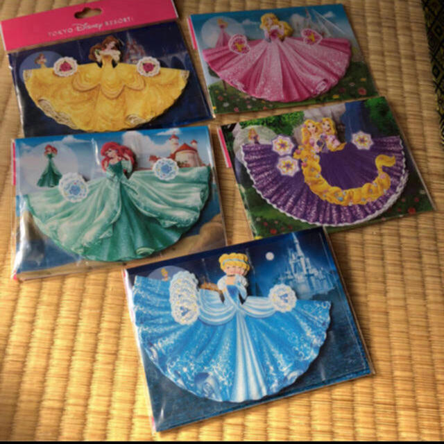 Disney(ディズニー)のディズニープリンセスメモ プリンセスメモ ドレス色当て ウェディング小物 色当て ハンドメイドのウェディング(その他)の商品写真